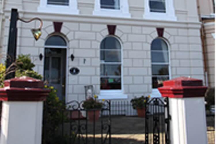 Lynton House - Image 1 - UK Tourism Online