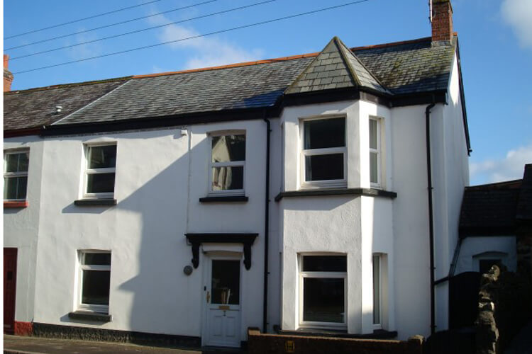Okeside Cottage Bed and Breakfast - Image 1 - UK Tourism Online