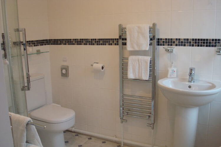 Okeside Cottage Bed and Breakfast - Image 4 - UK Tourism Online