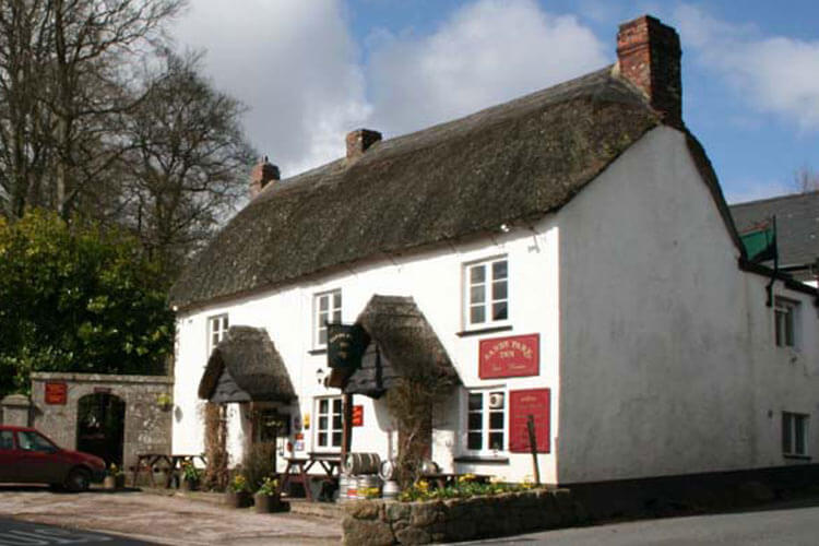 The Sandy Park Inn - Image 1 - UK Tourism Online