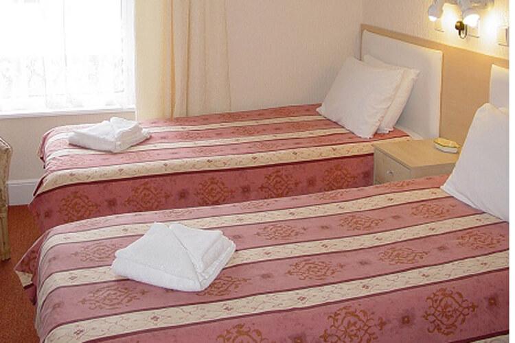 Seacroft Guest House - Image 3 - UK Tourism Online