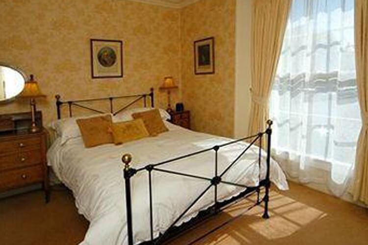 St Vincent Guest House - Image 2 - UK Tourism Online