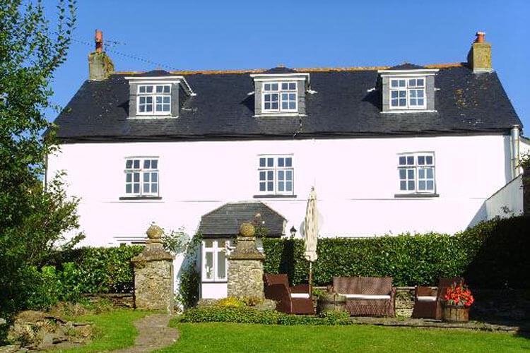 Strete Barton House - Image 1 - UK Tourism Online