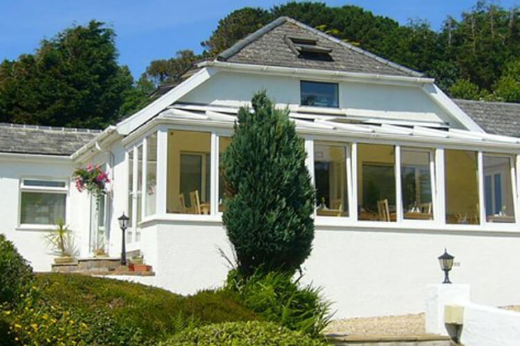 Surf View Guest House - Image 1 - UK Tourism Online