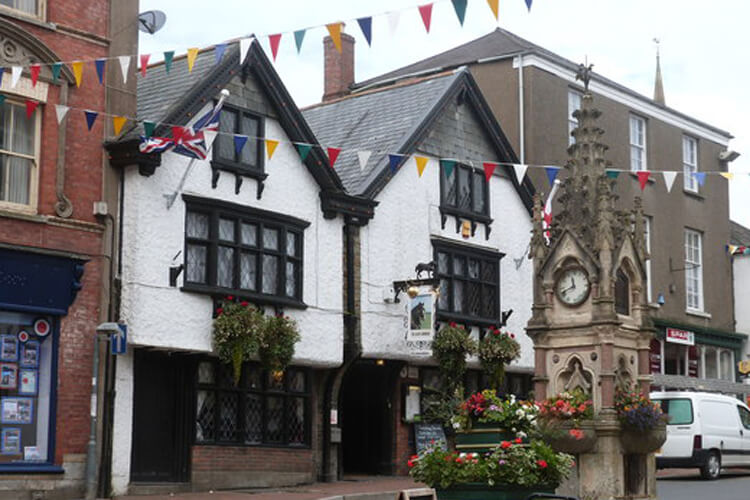 Black Horse Inn - Image 1 - UK Tourism Online