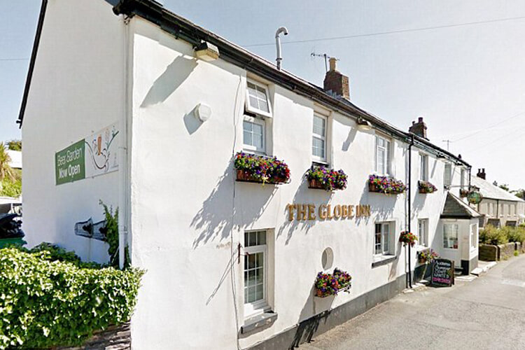 The Globe Inn - Image 1 - UK Tourism Online