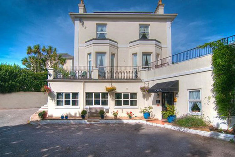 The Iona Torquay - Image 1 - UK Tourism Online