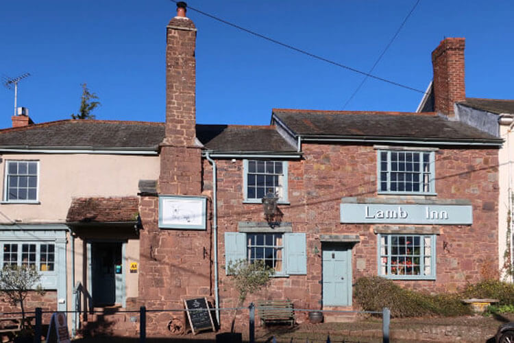 The Lamb Inn - Image 1 - UK Tourism Online