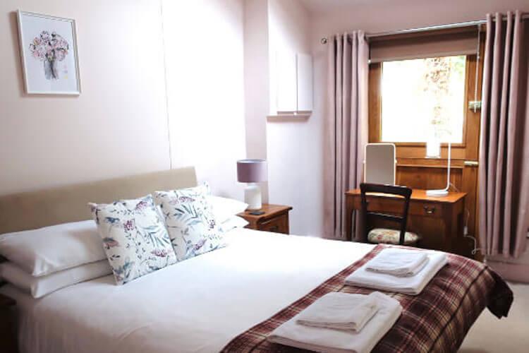 The Lamb Inn - Image 2 - UK Tourism Online