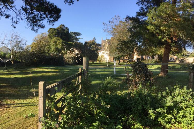 Torridge House Farm Cottages - Image 1 - UK Tourism Online