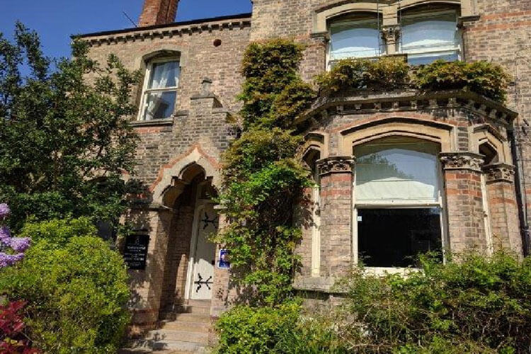 Town House - Image 1 - UK Tourism Online