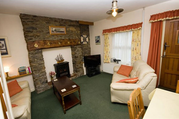 Waters Edge Cottage - Image 2 - UK Tourism Online
