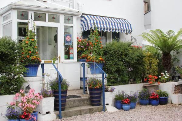 Westbury Guest House - Image 1 - UK Tourism Online