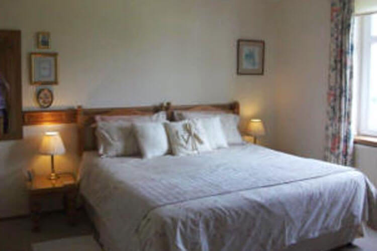 Whitstone Farm Bed and Breakfast - Image 2 - UK Tourism Online