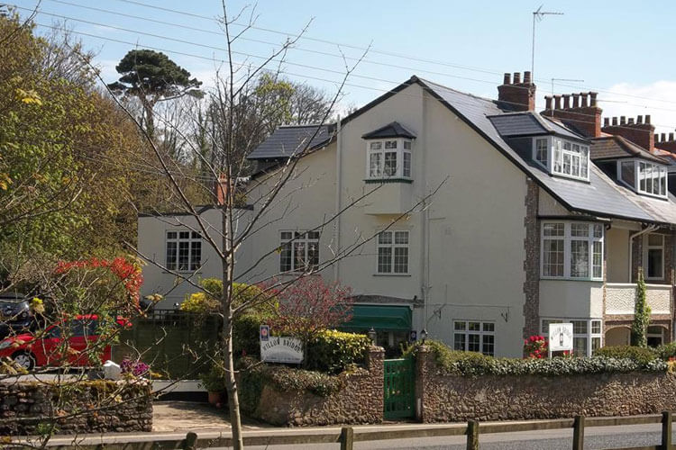 The Willow Bridge Guest House - Image 1 - UK Tourism Online