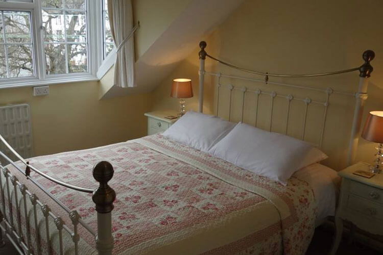 The Willow Bridge Guest House - Image 2 - UK Tourism Online