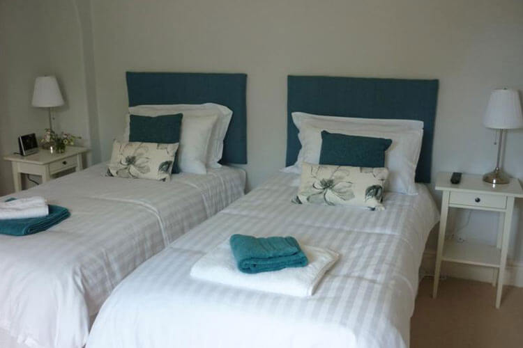 Two Heath Cottages - Image 4 - UK Tourism Online