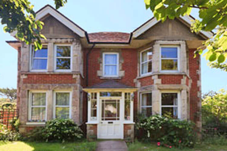 Arbour House Bed and Breakfast - Image 1 - UK Tourism Online