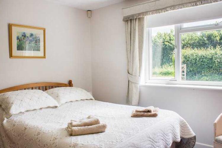 Fripps Cottage - Image 1 - UK Tourism Online