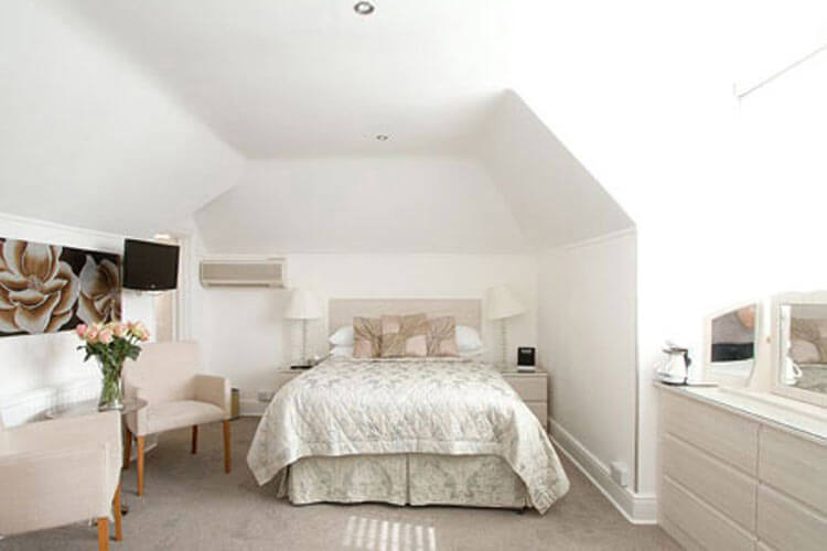 Grosvenor Lodge - Image 2 - UK Tourism Online