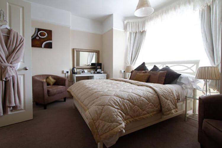 Grosvenor Lodge - Image 3 - UK Tourism Online