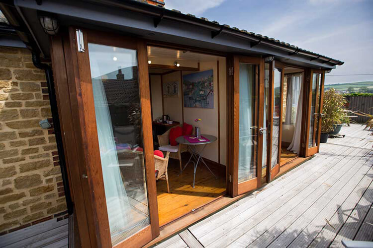 Heatherbell Cottage - Image 1 - UK Tourism Online