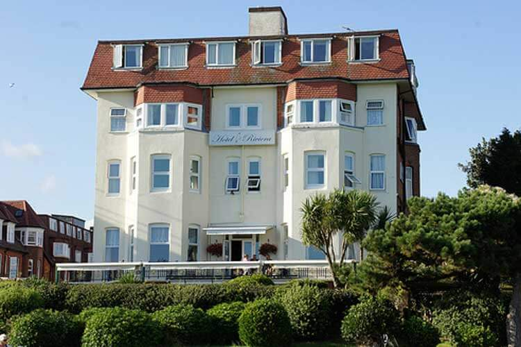 Hotel Riviera By The Sea - Image 1 - UK Tourism Online