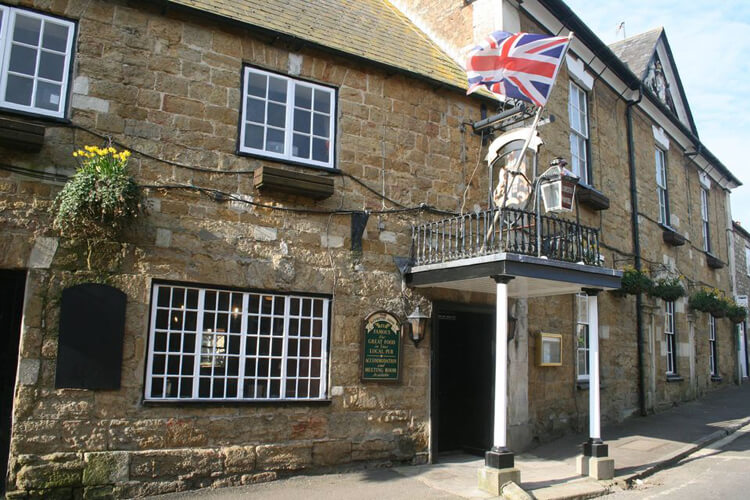 Ilchester Arms - Image 1 - UK Tourism Online