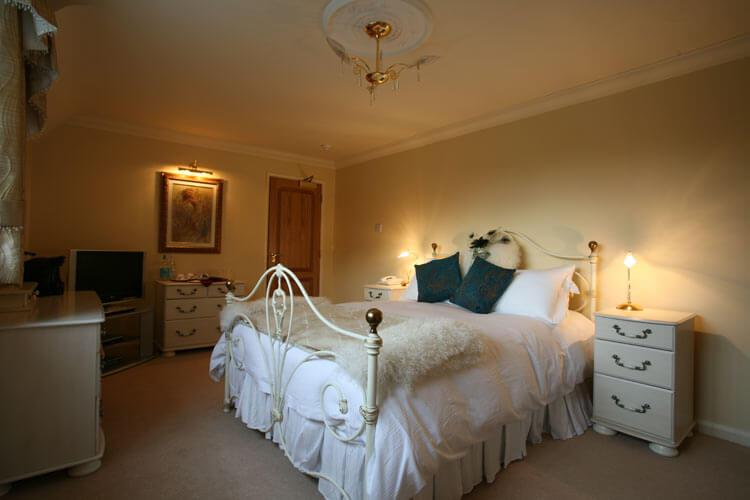 Les Bouviers Restaurant With Rooms - Image 4 - UK Tourism Online