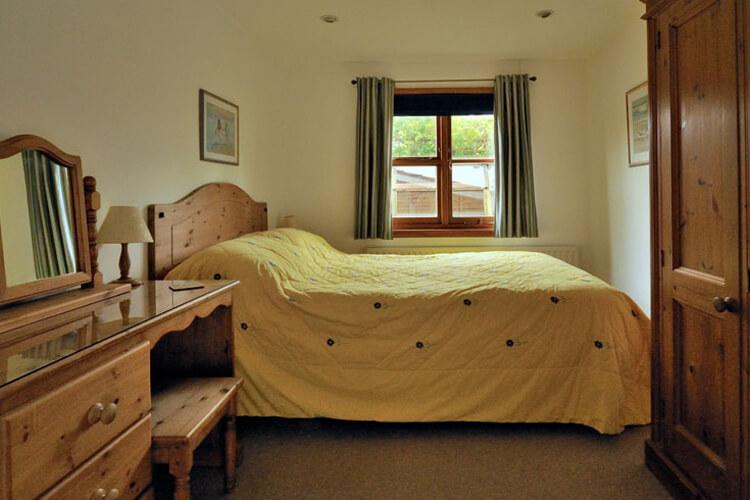 Mimosa Cottage - Image 1 - UK Tourism Online