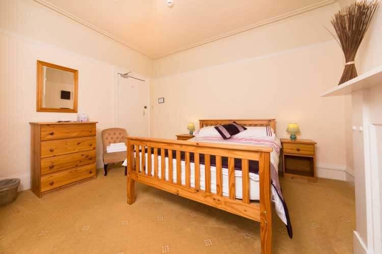 Sandy Bay Guest House - Image 3 - UK Tourism Online