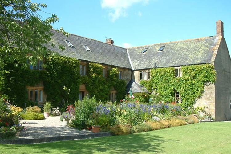 Seaborough Manor Farmhouse - Image 1 - UK Tourism Online