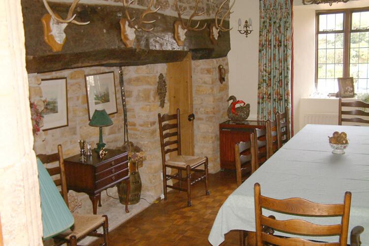Seaborough Manor Farmhouse - Image 4 - UK Tourism Online