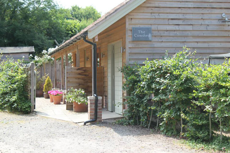 The Cowshed - Image 1 - UK Tourism Online