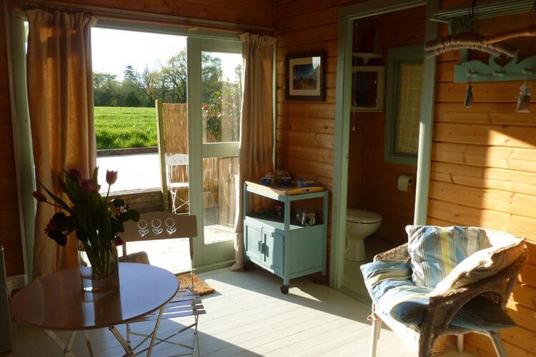 The Log Cabin - Image 2 - UK Tourism Online