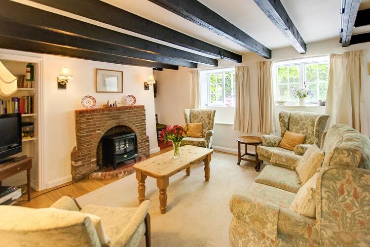 Two Vine Cottage - Image 2 - UK Tourism Online