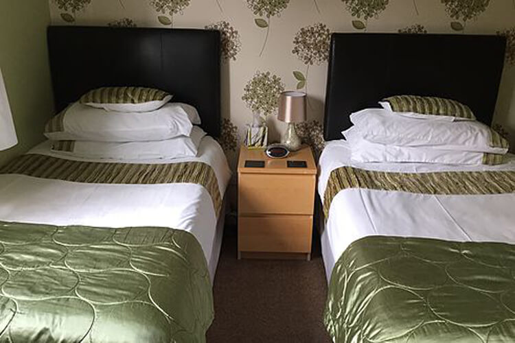 Waters Edge Bed and Breakfast - Image 2 - UK Tourism Online