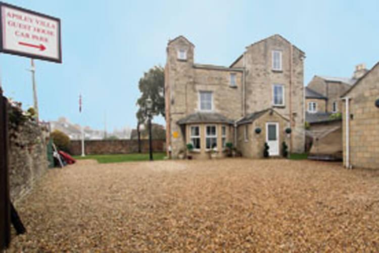 Apsley Villa Guest House - Image 1 - UK Tourism Online