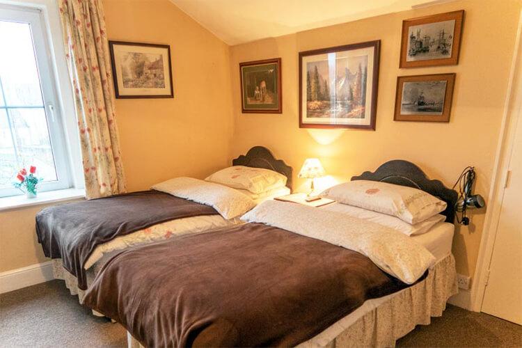 Apsley Villa Guest House - Image 2 - UK Tourism Online