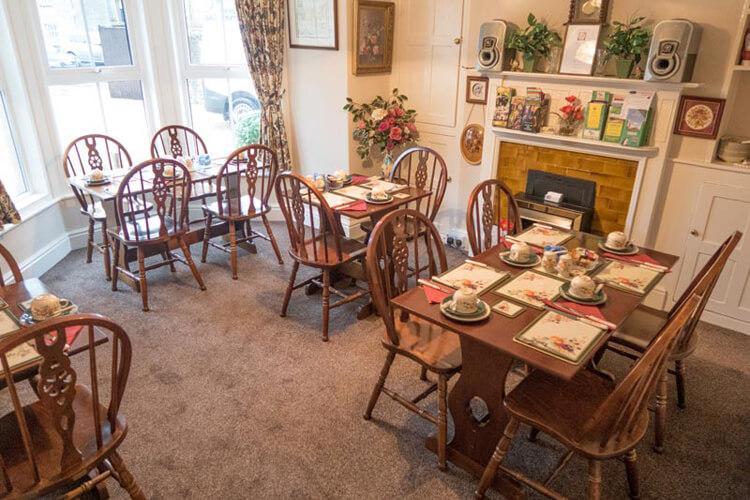 Apsley Villa Guest House - Image 5 - UK Tourism Online