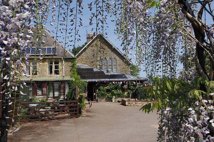 Oakraven Field Centre - Image 1 - UK Tourism Online