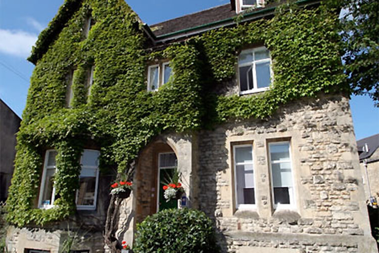 The Ivy House Bed and Breakfast - Image 1 - UK Tourism Online