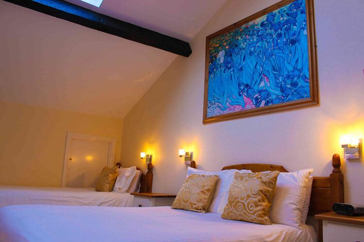 Blorenge House Hotel - Image 3 - UK Tourism Online