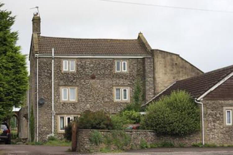 Cannards Grave Farmhouse - Image 1 - UK Tourism Online