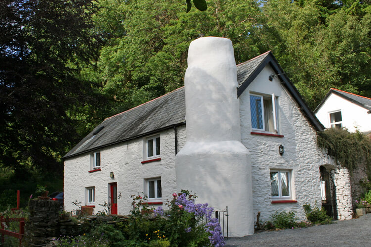 Cascade Cottage - Image 1 - UK Tourism Online