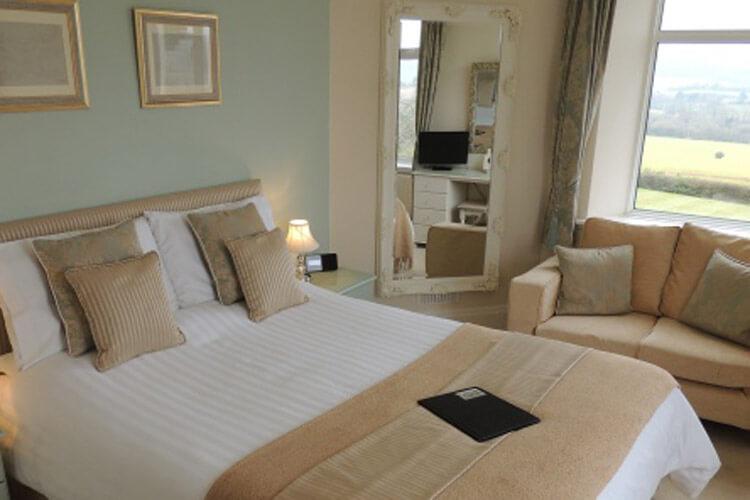 Cedar House - Image 4 - UK Tourism Online