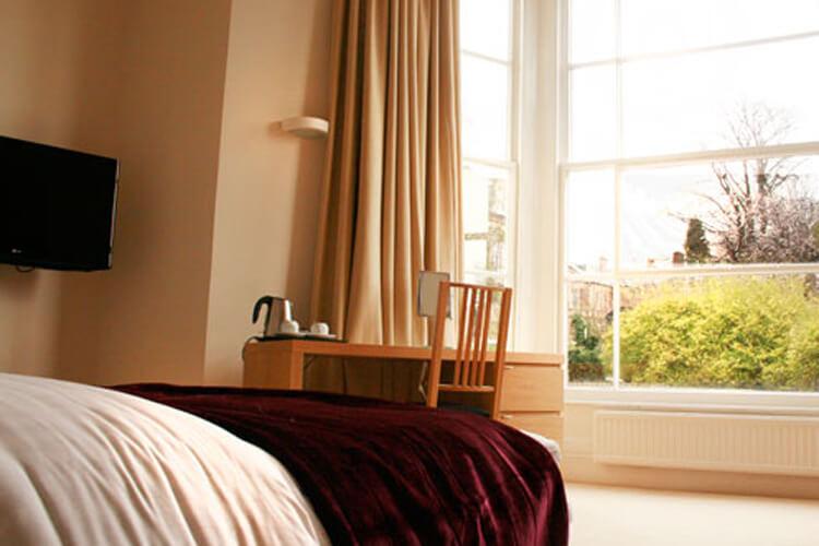 Clifton House - Image 3 - UK Tourism Online
