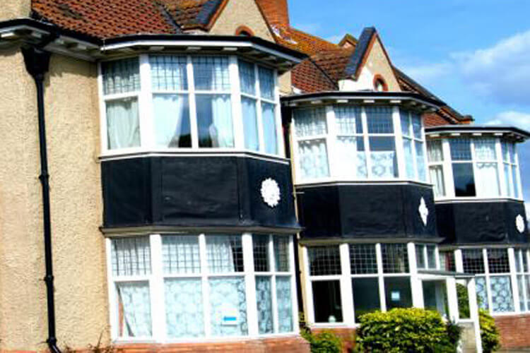 Cloisters Guest House - Image 1 - UK Tourism Online
