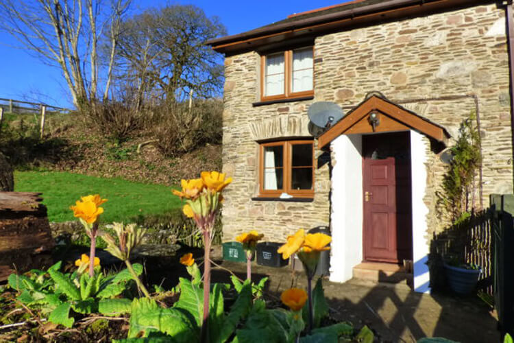 Court Farm Holiday Cottages - Image 1 - UK Tourism Online