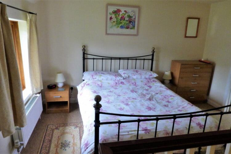 Court Farm Holiday Cottages - Image 4 - UK Tourism Online